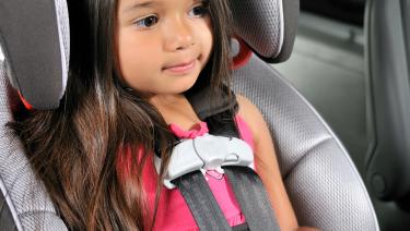 Las sillas para niños permiten proteger e incluso salvar la vida de un menor de edad ante accidentes.